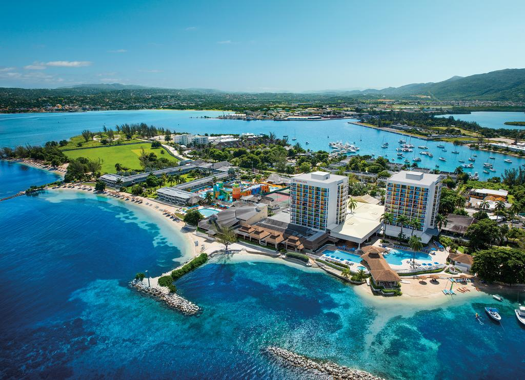 Holidays in Jamaica with charter flights from Madrid